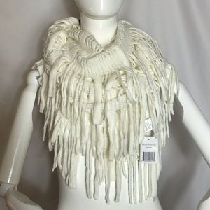 Accessories - NWT White Fringed Scarf